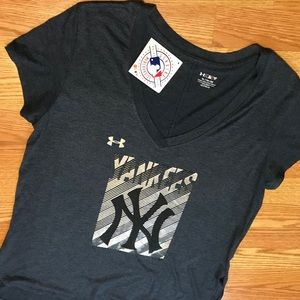 MLB NY Yankees blue v neck shirt women's XL